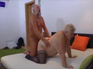 Beim alte sex omas Alte Frauen