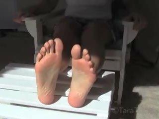 Flotter Dreier Lesbisch Füße Sex